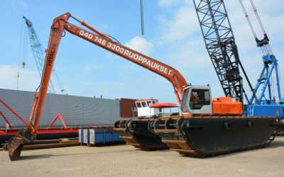 Hitachi FH200LC-3 Amphibious excavator
